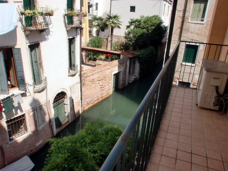 terrace - Apartment in Venice Ca' del Principe, located in centre, spacious and with a canal view - Venice - rentals