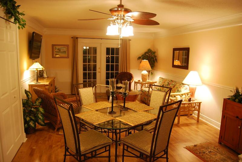Dining area - Luxury Condo - Close to beach - WiFi - low rates - Fernandina Beach - rentals