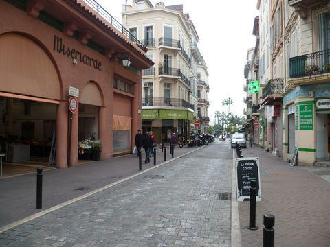 Large studio in the center of Cannes - Image 1 - Cannes - rentals