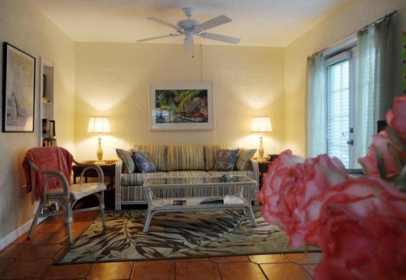 Living Room - Fan Palm at Siesta Pearl - Siesta Key - rentals