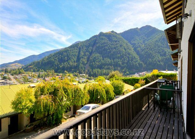 Lakeview 8 Apartment - Image 1 - Queenstown - rentals