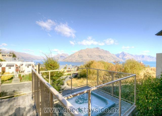 Vancouver Spa Views - Image 1 - Queenstown - rentals