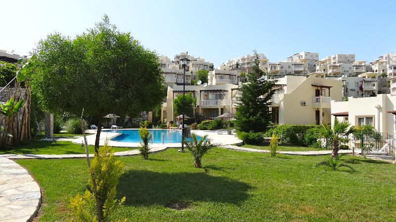 GARNET 21/55 GARDEN AND LEISURE AREA AROUND THE POOL - Holiday Oasis Offering Spectacular Views Garnet 55 - Bodrum - rentals