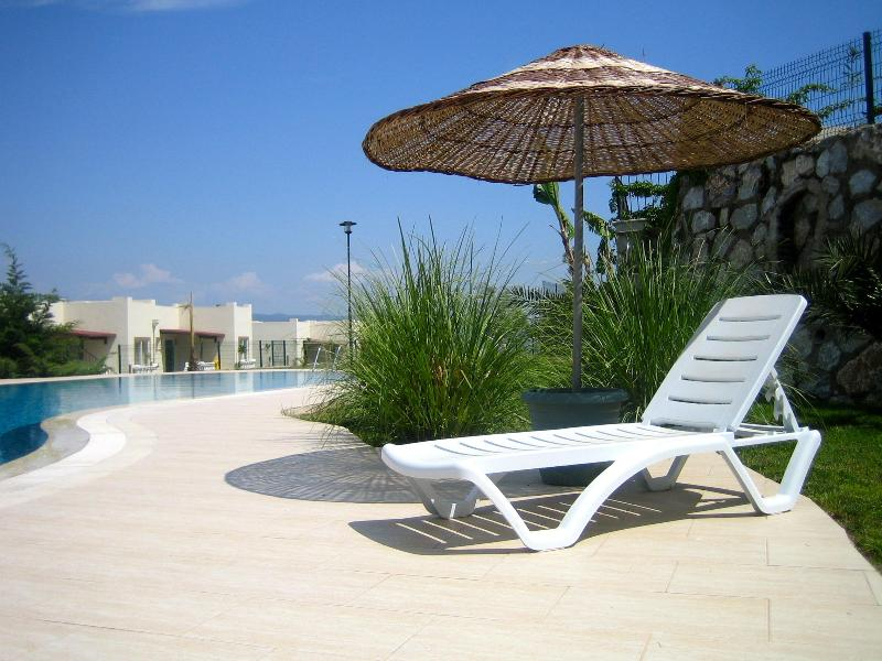 GARNET 21/55 BY THE POOL - Stunning Location Overlooking Pool Garnet 21 - Bodrum - rentals
