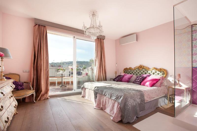 Pink Room - Charming, Stylish 2BR Penthouse 2 Amazing Terraces - Barcelona Province - rentals