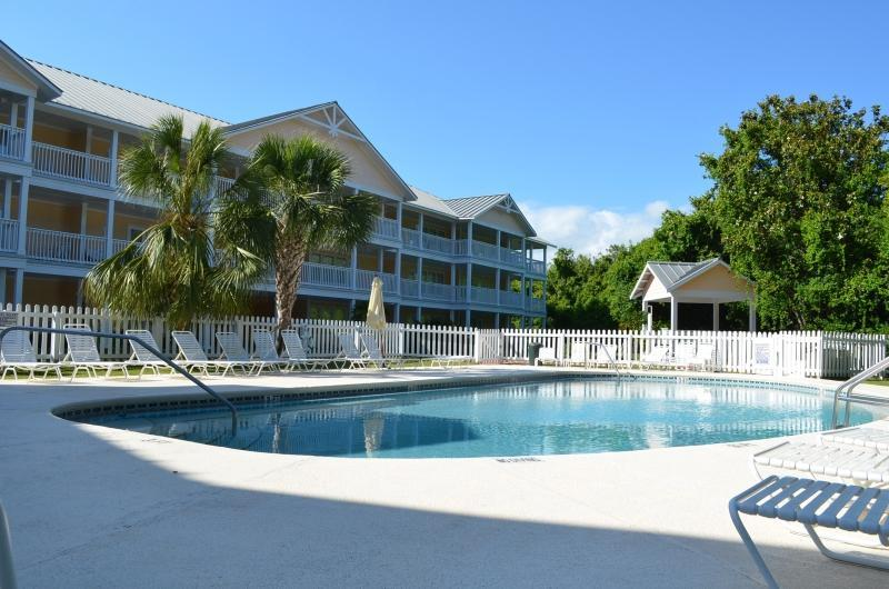 Our Secluded Poolside At Peachtree Place! - Beautiful Two Bedroom Condo - Available Spring/Summer 2017 - Panama City Beach - rentals