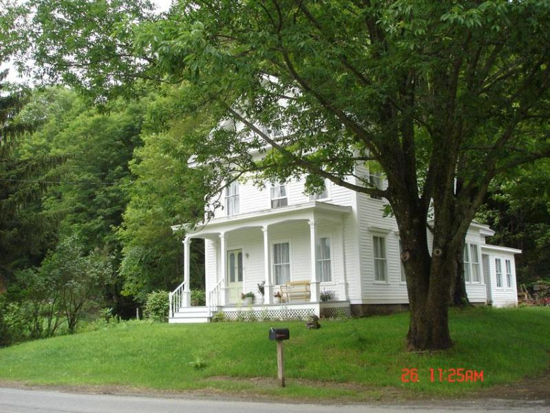 The House in Pumpkin Hollow B&B - Image 1 - Conway - rentals