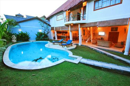 View From front gate - Villa Dolphin 2 Beds, Private Pool, Seminyak Bali - Seminyak - rentals