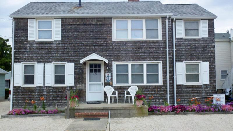 123 E. 16th Street - FOOTSTEPS Rental Upper Level pet friendly 3BR, LBI - Beach Haven - rentals