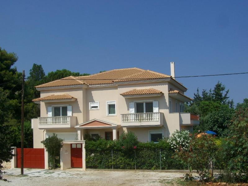 Our home - Villa Verde - holiday green by the sea near Athens - Athens - rentals