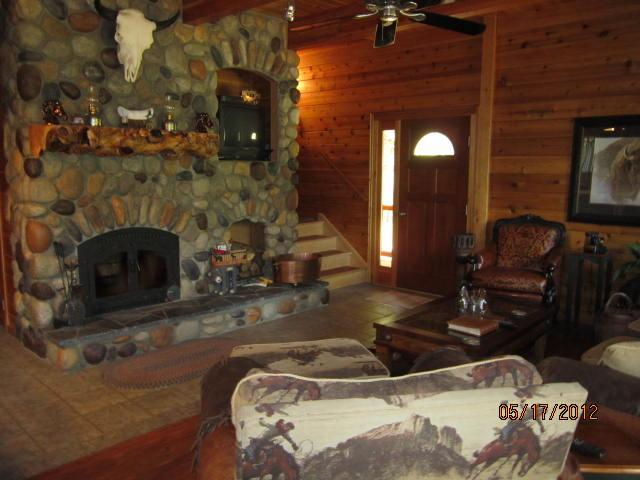 Nothing better than a nice warm fire after working the herd all day .... - Wanna Go Away? 3 Bd  2 bath On the Roaring Chiwawa River  $199-399 - Leavenworth - rentals