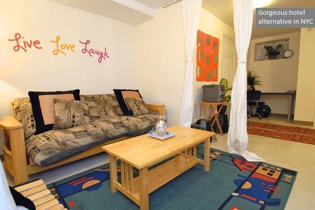 Beautiful Garden Apartment in NYC - Huge Garden Apt with King & Queen Beds in Brooklyn - Brooklyn - rentals
