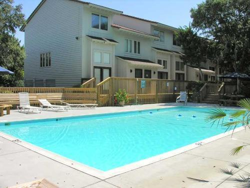 Outdoor pool only steps from townhouse - OCEAN GLEN Pine Knoll Shores Oceanside 3BRTownhome - Pine Knoll Shores - rentals