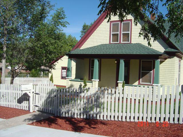 Victorian home with large front porch. - Victorian Jewel Downtown+Garage LOW WEEK/MO RATES - Colorado Springs - rentals