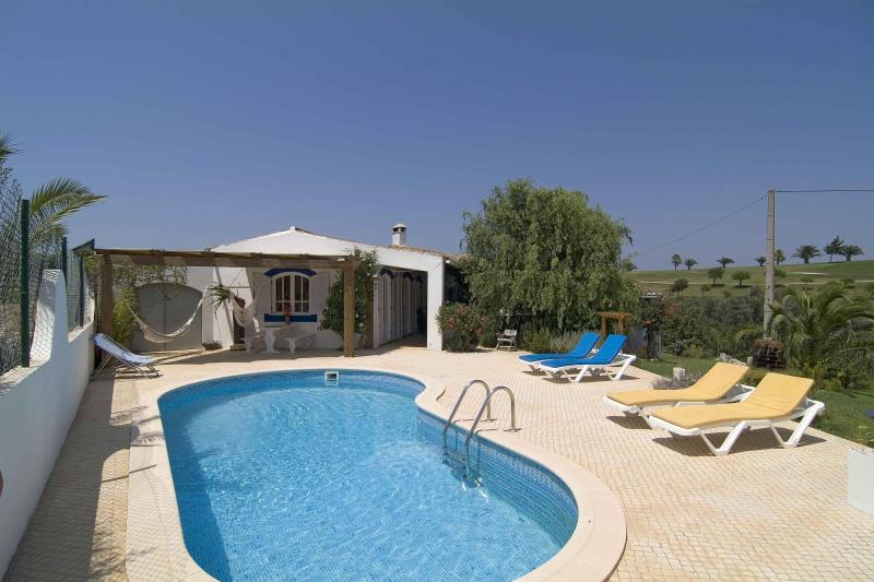 Comfortable villa in camp golf next Salema beach - Image 1 - Salema - rentals