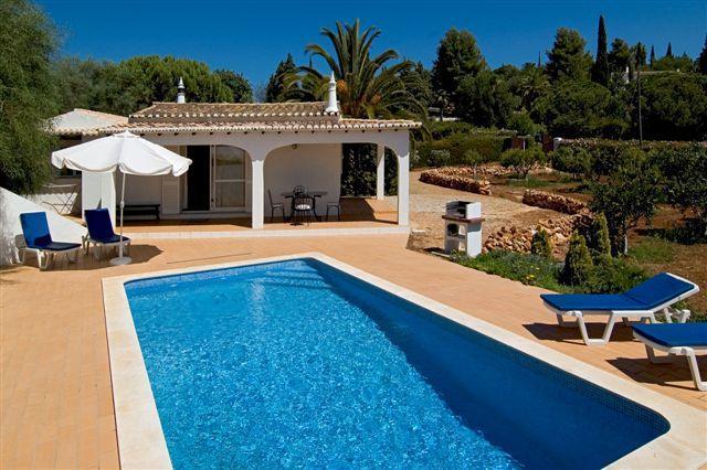 Charming 2bd small villa quality residential area - Image 1 - Portimão - rentals