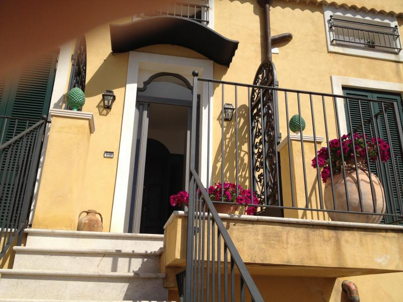 Entry to penthouse - Taormina, overlooking town with the Greek Theater - Taormina - rentals