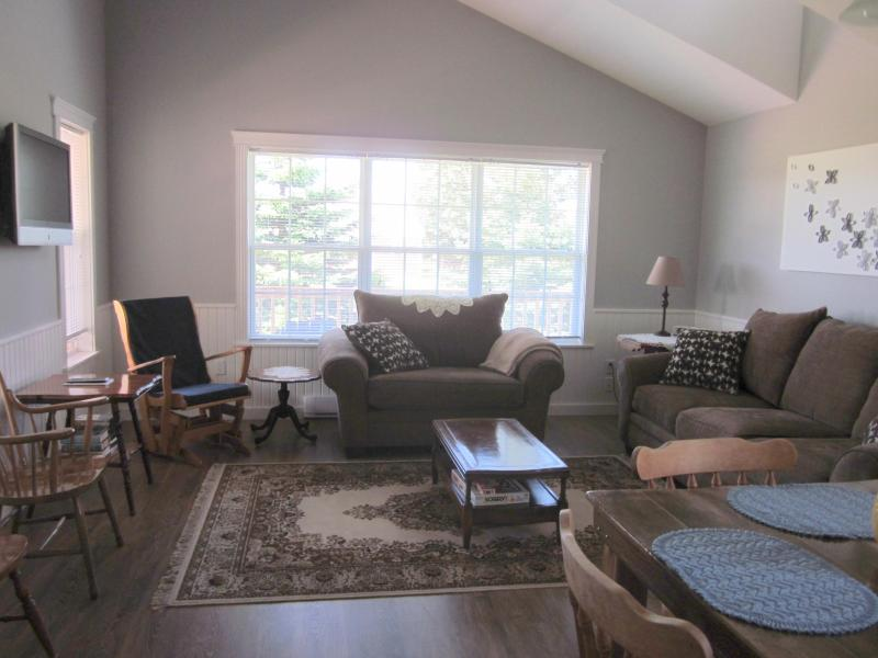 Living Room - Blue Whisper - Beach Cottage Rental - Prince Edward Island - rentals