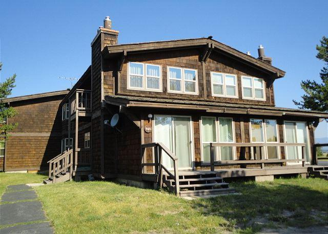 Perfect location! - The Ultimate in Relaxation! Awesome Location! Sleds Welcome-Free WiFi - Island Park - rentals