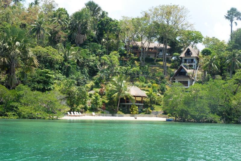 Approach by boat - 5 Bedroom Luxury Villa and Beach in Puerto Galera - Puerto Galera - rentals