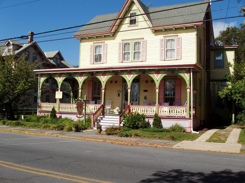 Ashley rose in the sunshine - A Victorian B&B, 2 bks to bch & more, See SPECIAL! - Cape May - rentals