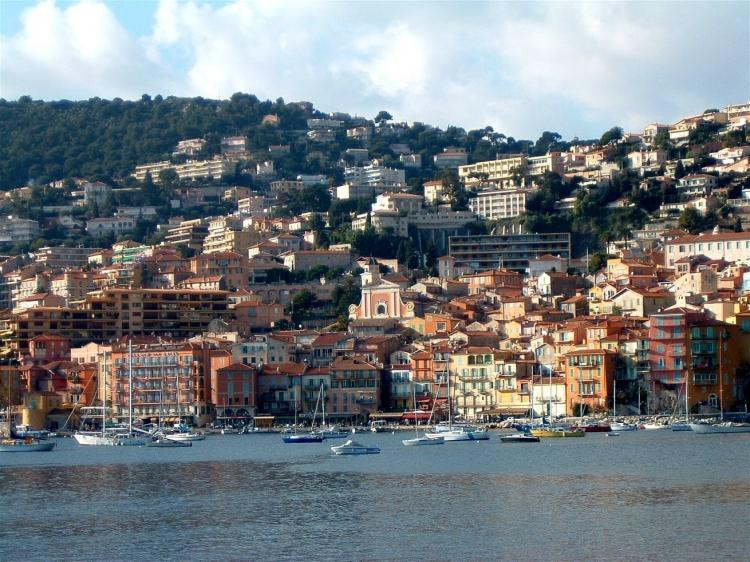 In the heart of Villefranche sur mer historical - New 2 Bedroom Picturesque Villefranche sur Mer Apartment, Steps from Beach - Villefranche-sur-Mer - rentals