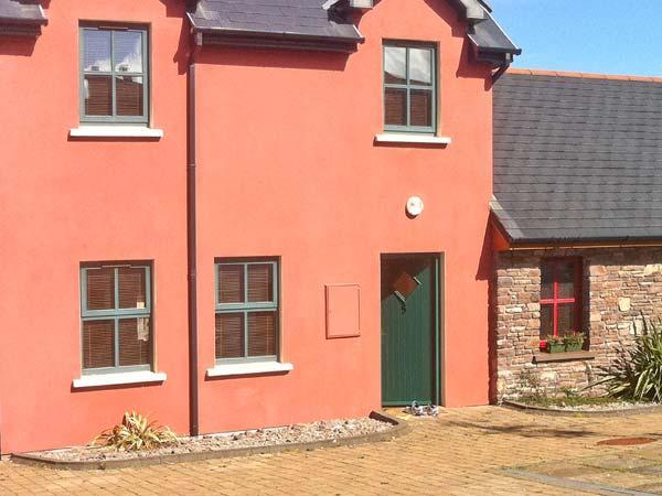 5 STATION HOUSE, open fire, pet-friendly, garden, in Castlegregory, Ref 19955 - Image 1 - Castlegregory - rentals