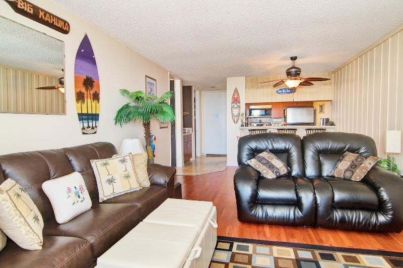 Living room w/Fold out - Whitewater Beach views from 1 BR Beachfront Condo. - Oceanside - rentals