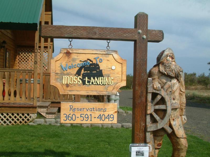 Captain Morgan's Welcome - Moss Landing Cabin Near Beach, Hot Tub, Fireplace - Ocean Shores - rentals