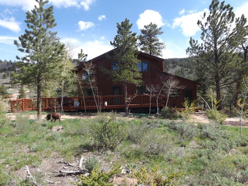 Creekside Corral on Lower Lone Pine Lake - Image 1 - Red Feather Lakes - rentals
