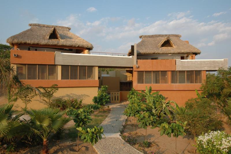 Villa Siyalito: 3BR Oceanfront Pto Escondido Home - Image 1 - Puerto Escondido - rentals