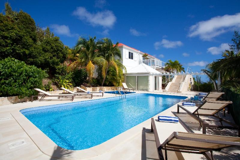 Captain Cook at Pointe Milou, St. Barth - Ocean View, Bedroom Suites, Heated Pool and Jacuzzi - Image 1 - Pointe Milou - rentals