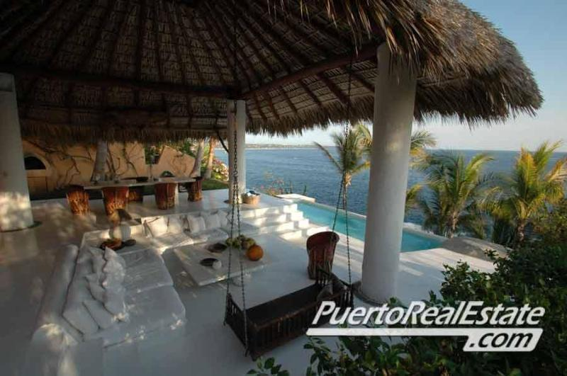 Oceanfront pool and back patio area - Casa Chantal - 3BR Oceanfront Rental - Puerto Escondido - rentals