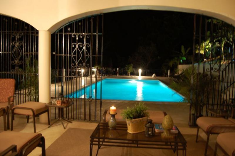 PARADISE PPA - 103349 - NEW 8 BED VILLA | EXOTIC DESIGNS | POOL | CLOSE TO BEACH - RUNAWAY BAY - Image 1 - Runaway Bay - rentals