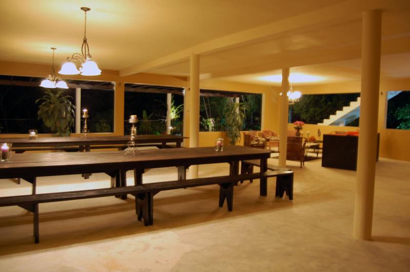PARADISE PPA - 103352 - NEW 5 BED VILLA | EXOTIC DESIGNS | POOL | CLOSE TO BEACH - RUNAWAY BAY - Image 1 - Runaway Bay - rentals