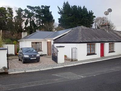 outside view-parking for 2 cars in driveway and additional street parking - Irish Cottage in heart of traditional village. - Ballymore Eustace - rentals