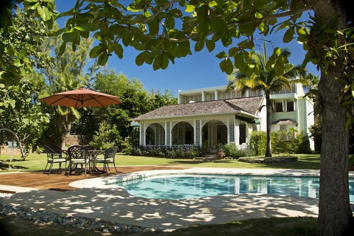 House and Pool - Seagrapes Villa in Discovery Bay, Jamaica - Discovery Bay - rentals
