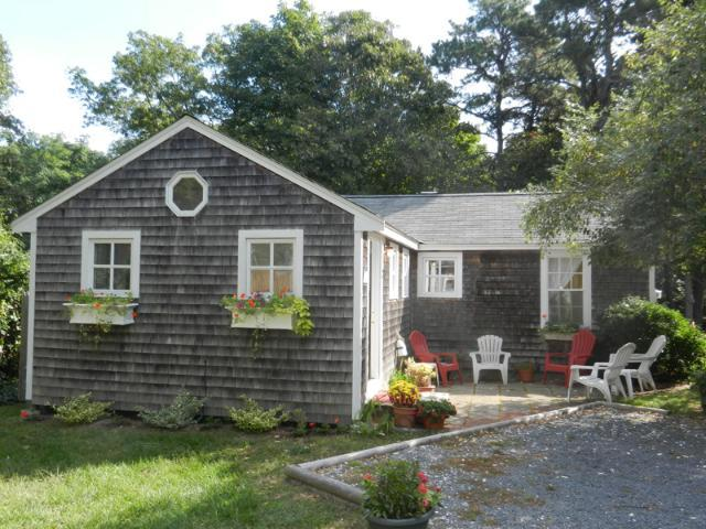 Cape Cod Cottage in Nauset Village - Image 1 - South Orleans - rentals