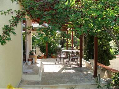 A2(2+2): garden terrace - 5659  A2(2+2) - Split - Split - rentals