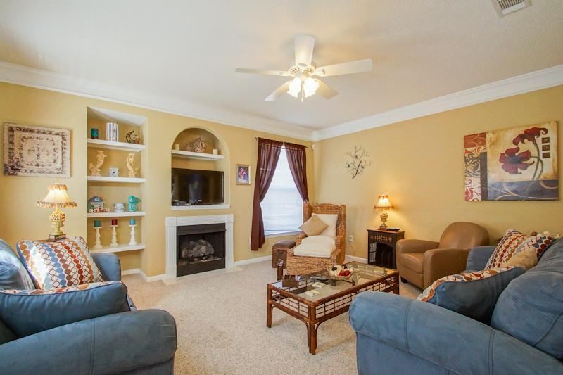 Spacious living room - Luxury 3 bdrm just steps from the beach - Gulfport - rentals