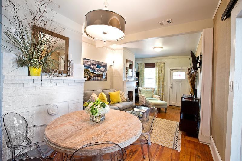 24e Cottage - Image 1 - Savannah - rentals