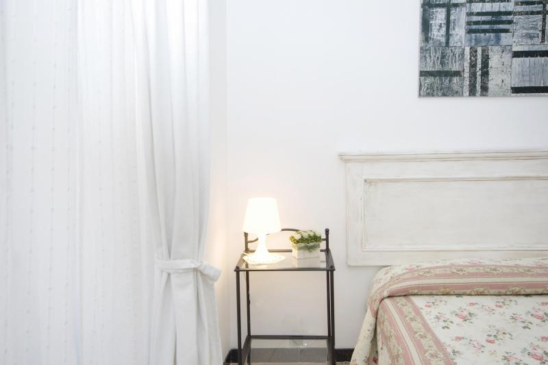 Rome Vacation Rentals near Colosseum - Rome Colosseum Apartment - Elegant 2BR WIFI SAT TV - Rome - rentals