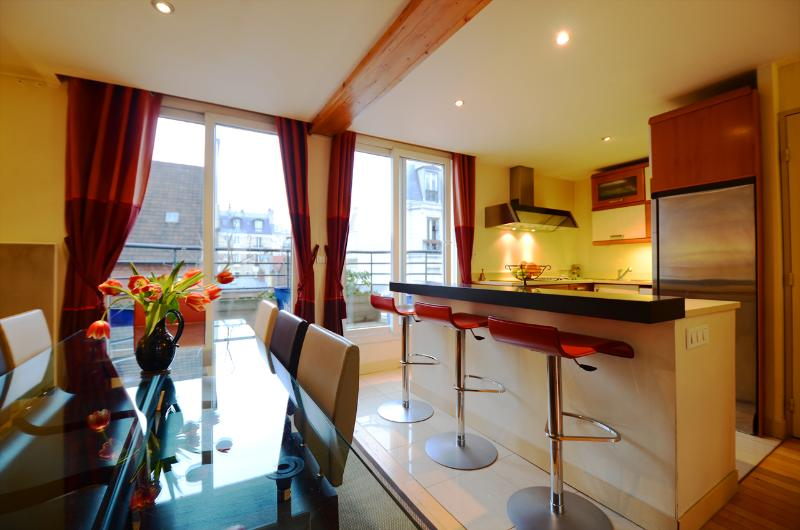 Penthouse Spa Retreat - Image 1 - Paris - rentals