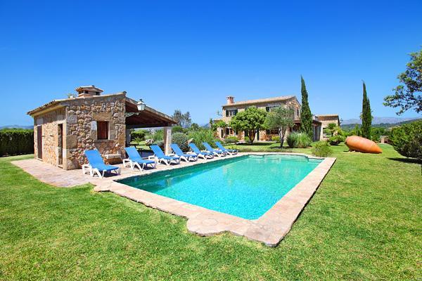 4 bedroom Villa in Pollenca, Mallorca, Mallorca : ref 3258 - Image 1 - Pollenca - rentals
