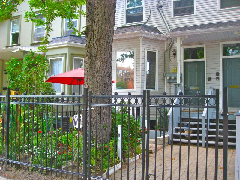 The front of the house with patio - Executive Underground, Bed & Breakfast Apartment - Toronto - rentals