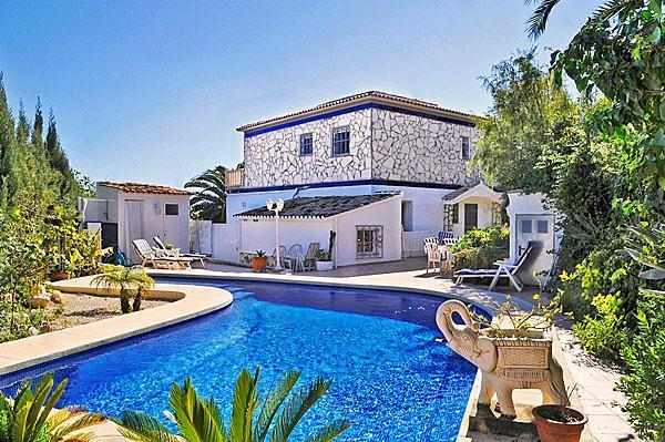 3 bedroom Villa in Calpe, Costa Blanca, Spain : ref 2067865 - Image 1 - Calpe - rentals