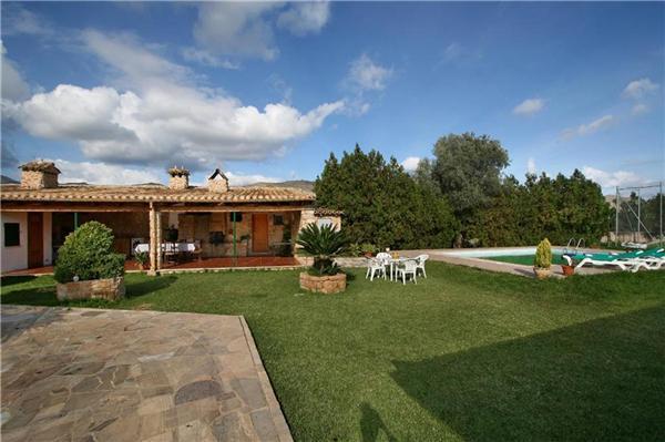 3 bedroom Villa in Puerto Pollenca, Mallorca : ref 2210469 - Image 1 - Port de Pollenca - rentals