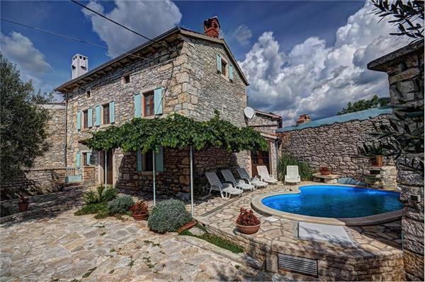 5 bedroom Villa in Orihi, Istria, Croatia : ref 2061367 - Image 1 - Orihi - rentals