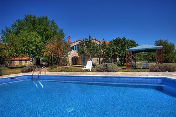 5 bedroom Villa in Foli, Istria, Croatia : ref 2060762 - Image 1 - Foli - rentals