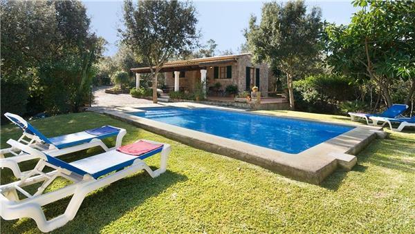 2 bedroom Villa in Pollenca, Mallorca : ref 2209100 - Image 1 - Pollenca - rentals
